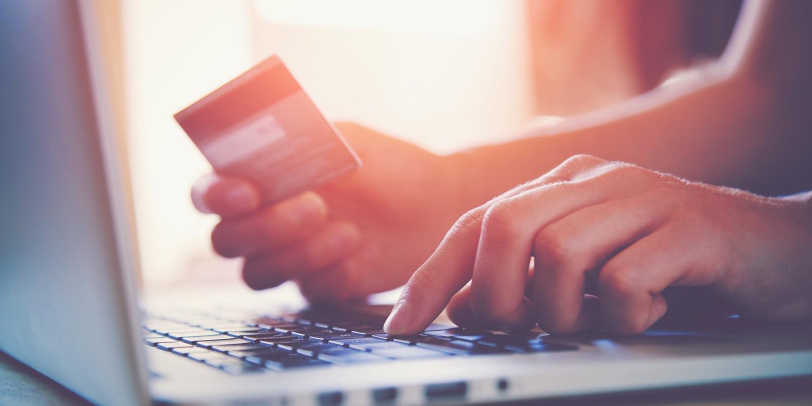 10 причин отказаться от наличных в пользу банковской карты