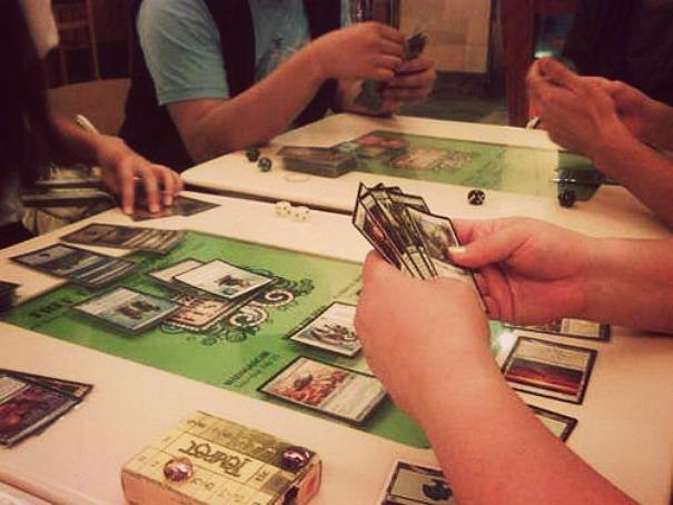 Стратегия коллекционных карточных игр в жизни