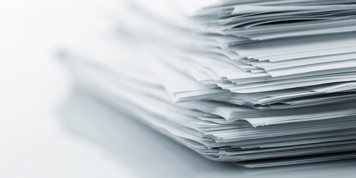 Офисный лайфхак — скрепляем листы бумаги