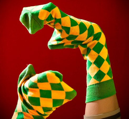 Сама им теперь пользуюсь - получается быстро, красиво и носки в таком виде очень удобно складывать.