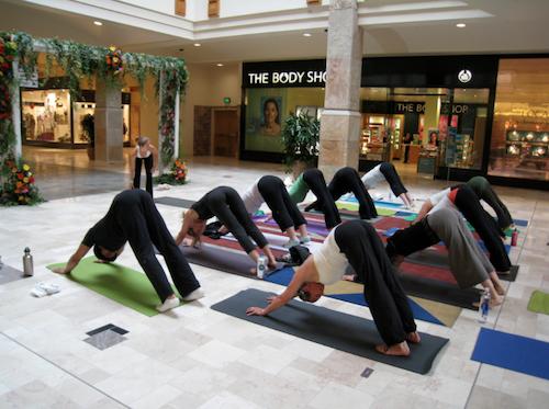 ОТБОР: Заблуждения о йоге, торговый центр, занятия йогой