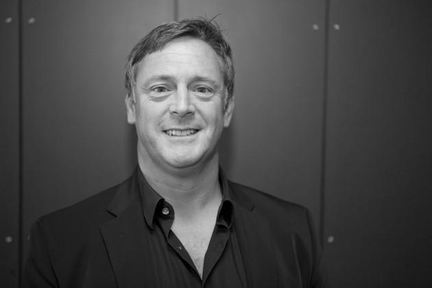 Майк Шервуд (Mike Shearwood), глава Aurora Fashions