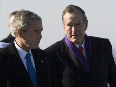 Бывшие президенты Джордж Буш-старший (George HW Bush) и Джордж Буш-младший (George W Bush)