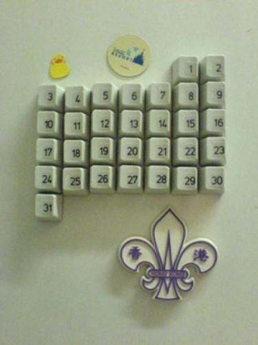 Календарь из старой клавиатуры