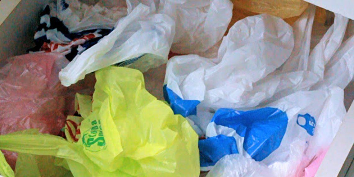 Как хранить и использовать полиэтиленовые пакеты из супермаркета