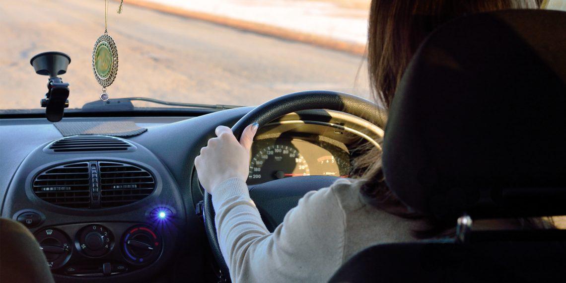 Как избежать боли в спине во время длительной поездки за рулём