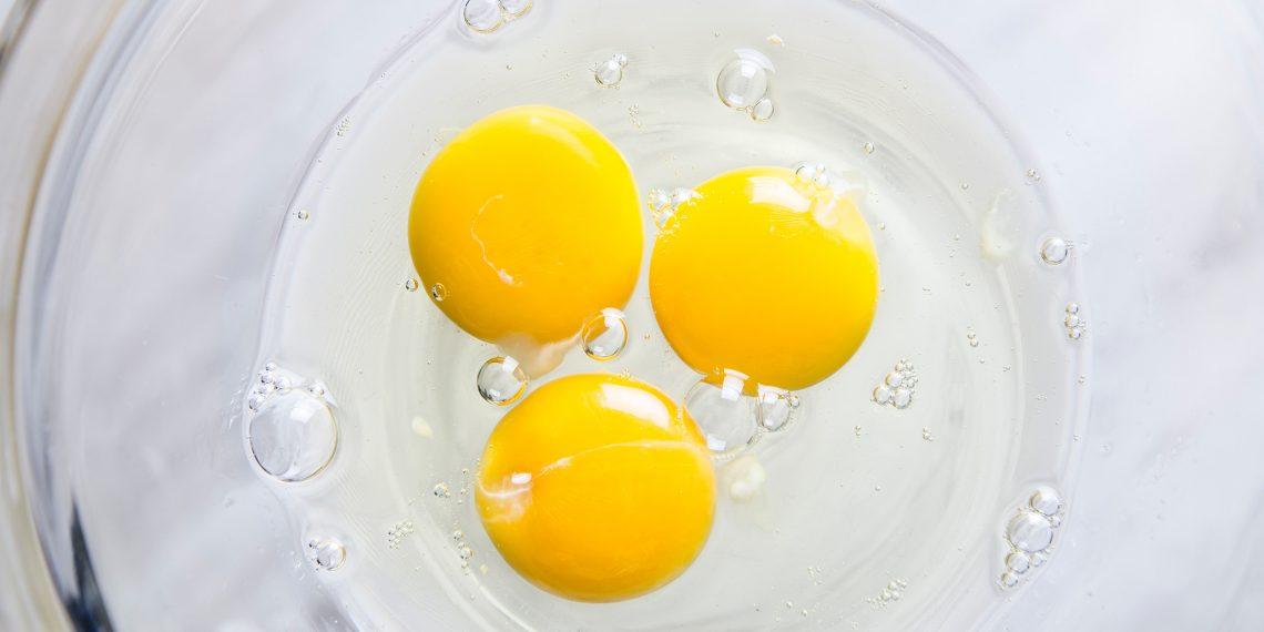 Кухонные лайфхаки: как правильно хранить яичные желтки