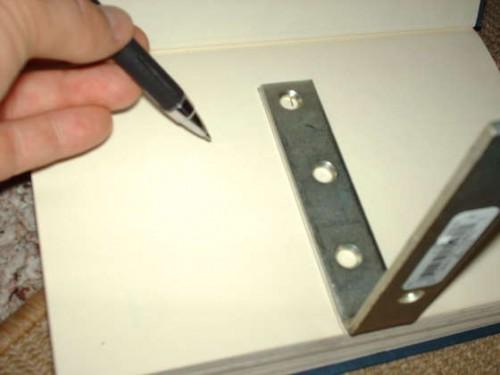 как сделать полку для книг совими руками