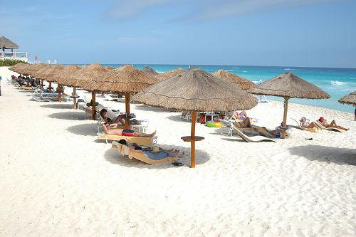 Конкурс от компании Финам: играйте на бирже и выиграйте поездку на Кипр!