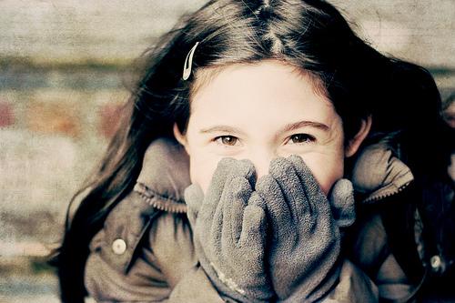 детство, мифы, счастье, девочка улыбается