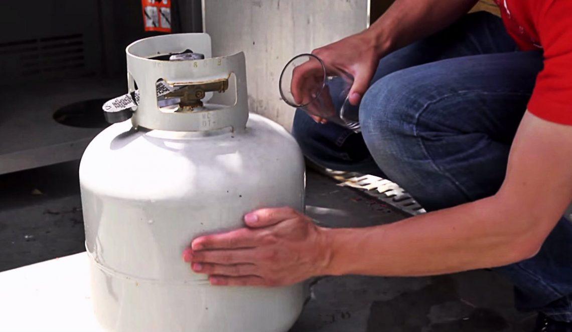 ВИДЕО: Как узнать, сколько пропана осталось в газовом гриле