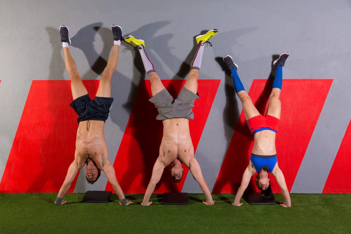 Домашний спортзал: упражнения для спины и груди