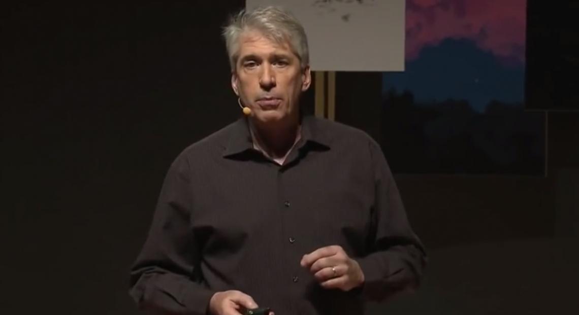 ВИДЕО: Крис Блисс о том, как юмор может помочь в общении