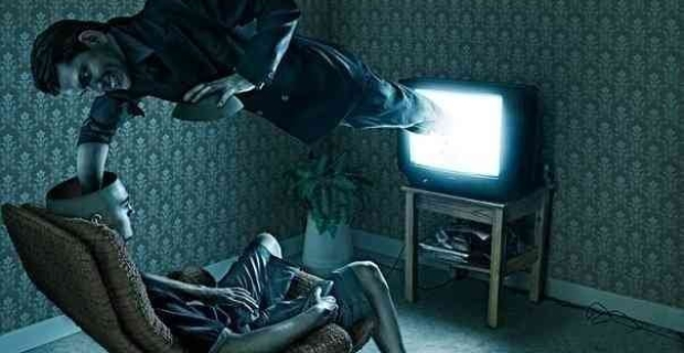The-Idiot-Box-How-TV-Is-Turning-Us-All-Into-Zombies