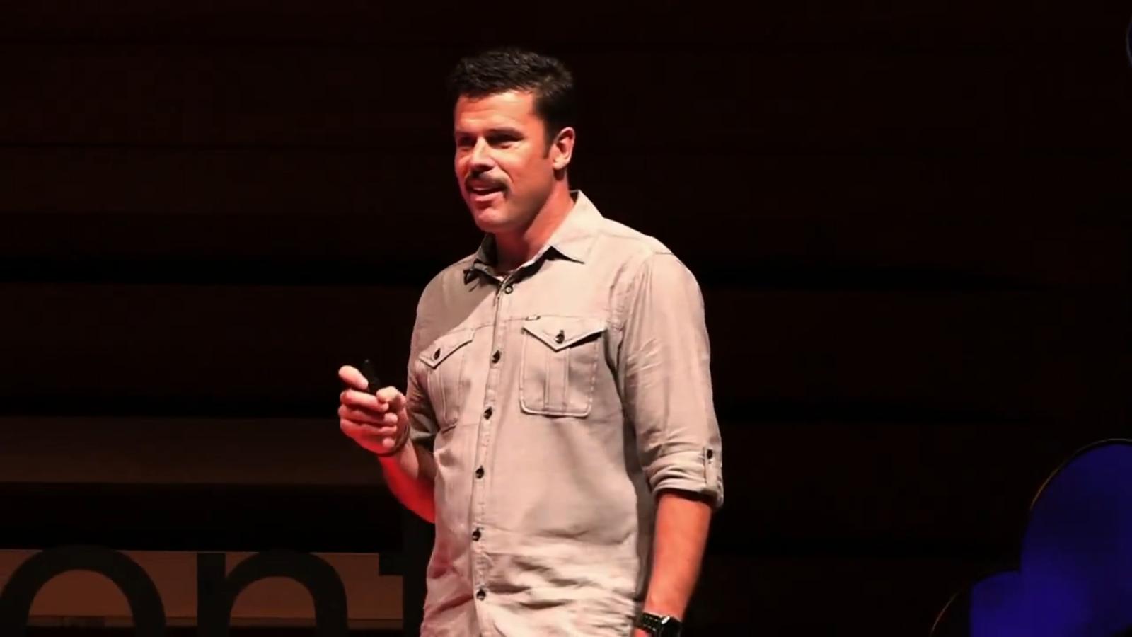 ВИДЕО: Небритябрь Адама Гарона
