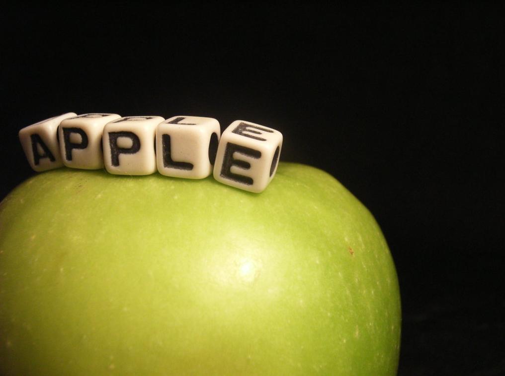Народное творчество поклонников Apple: подборка видео