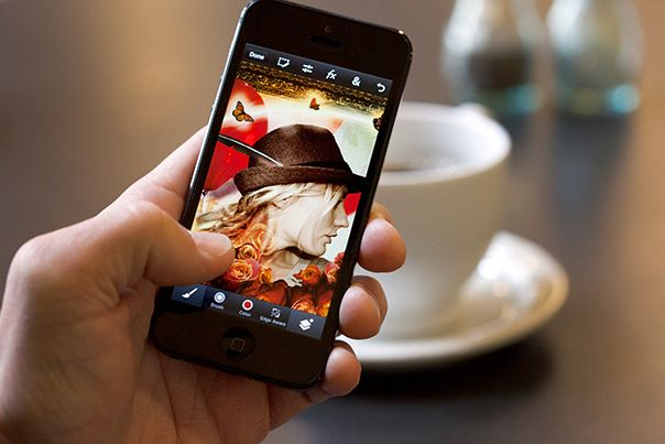 Adobe Photoshop Touch — известный фоторедактор теперь для iPhone и iPod touch