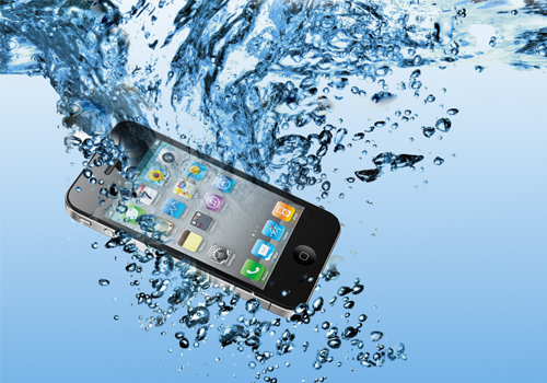 Что делать если телефон упал в воду