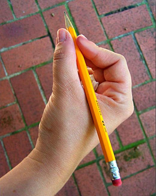 правильно держать ручку