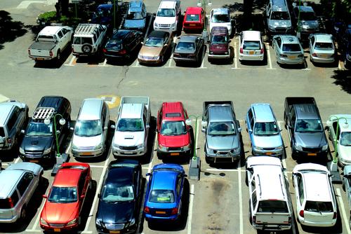 5 мобильных приложений, которые помогут найти свою машину на парковке