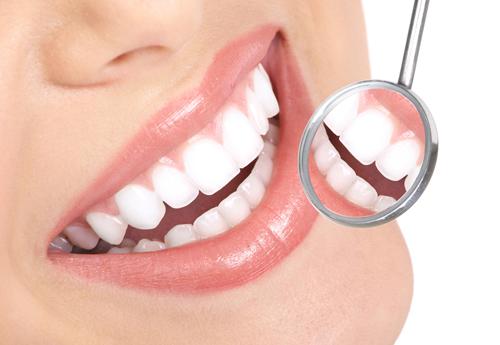 Посещать стоматолога необходимо раз в полгода