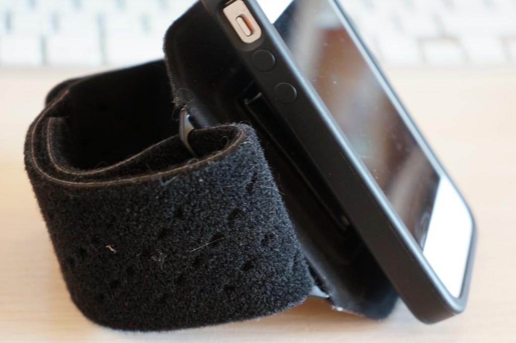 Как сделать держатель для телефона на руку своими руками