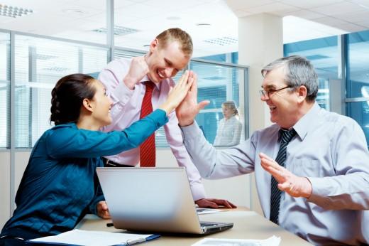 Где лучше работать: в солидной корпорации или в малой уютной компании?