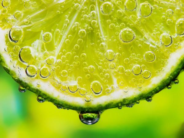 Кухонные лайфхаки: Как получить больше сока из лимонов и лаймов