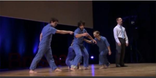 ВИДЕО: Танец вместо PowerPoint
