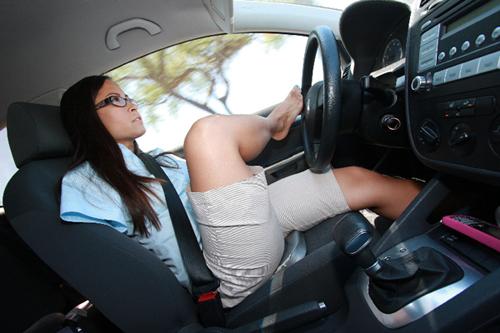 У Джессики обычные водительские права