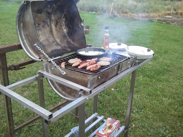 Как сделать садовое барбекю из пивного кега