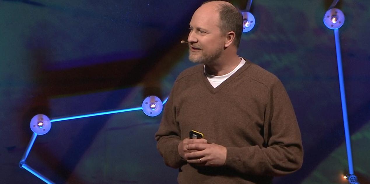 ВИДЕО: Гэвин Претор-Пинни об облаках, детстве и радости