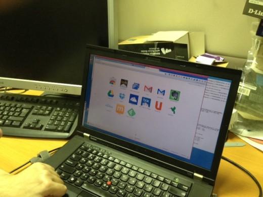 Единственная программа на компьютере Алексея — Google Chrome
