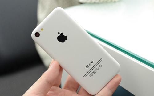 Apple продаст более восьми миллионов iPhone 5C до конца года