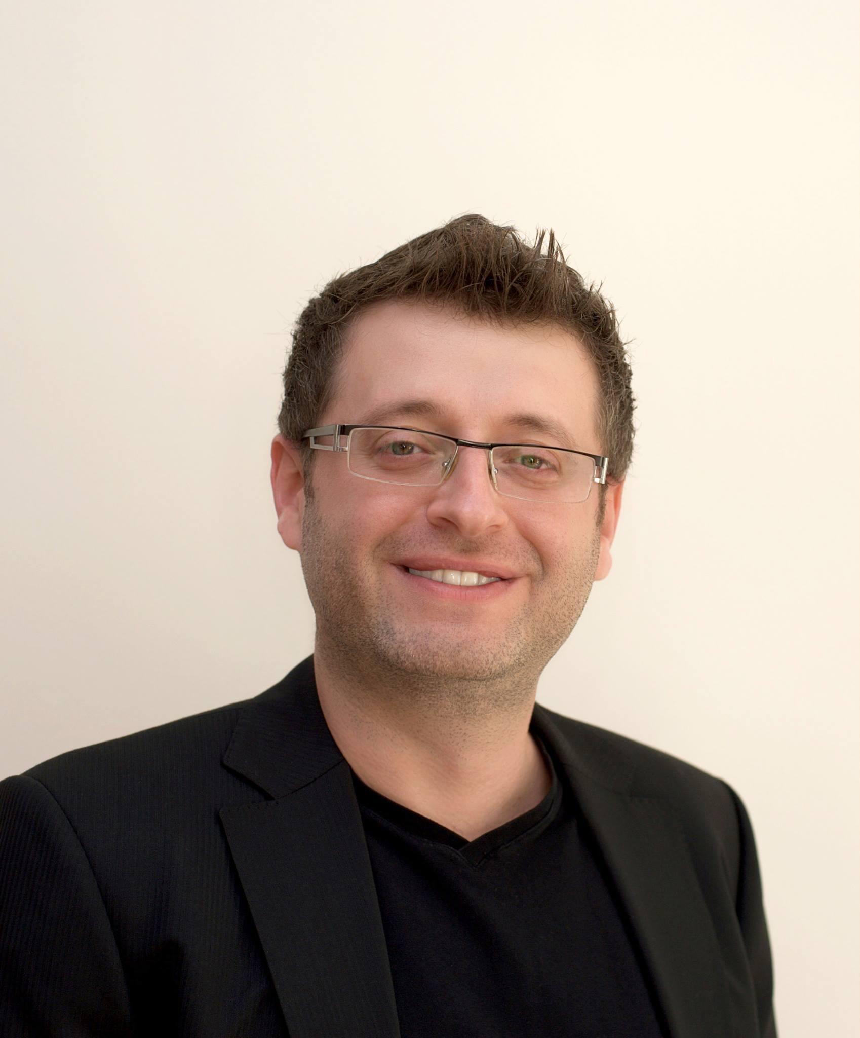 Рабочие места: Александр Варшавский, CEO и основатель уникального сервиса Fixico