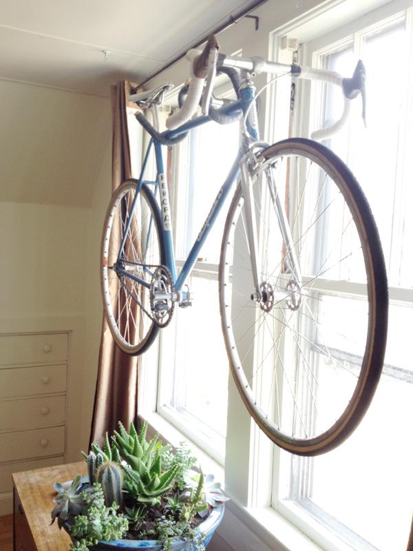 «Вешалка» для хранения велосипеда