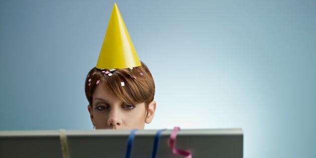 Дизайнерские ресурсы для Нового года. 48 бесплатных фонов, шрифтов и иконок