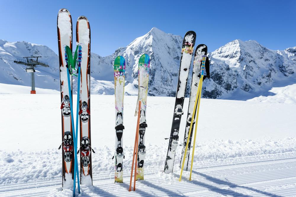 ИНФОГРАФИКА: Во сколько обойдется перелет с лыжным снаряжением