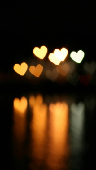 Heart-Bokeh-iphone-5-wallpaper-ilikewallpaper_com