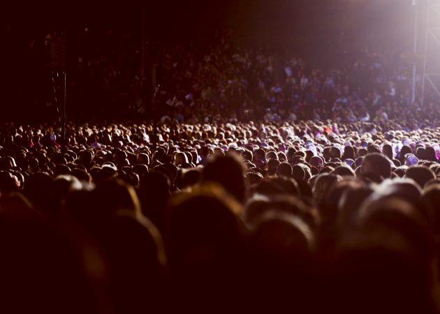 ИНФОГРАФИКА: Как выжить в толпе