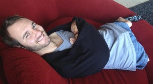 Долгие годы Ник боялся, что не сможет взять ребенка на руки, когда тот будет плакать