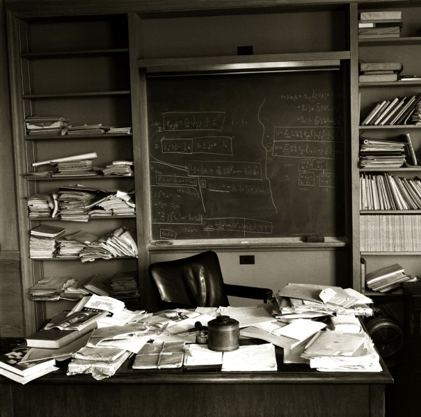 Рабочий стол Альберта Эйнштейна