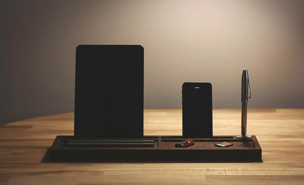 Подставка DeskPal наведет порядок на рабочем столе пользователя техники Apple