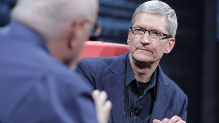 """Уолт Моссберг: """"Apple — это кинокомпания, которая приготовила в этом году новый блокбастер"""""""