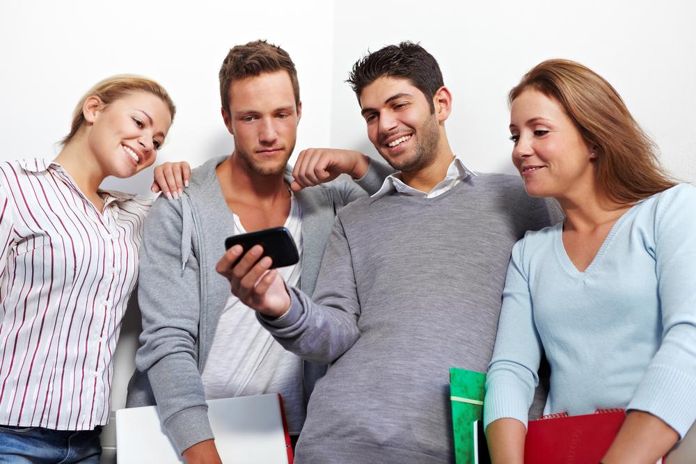 Где искать обновления Android и iOS