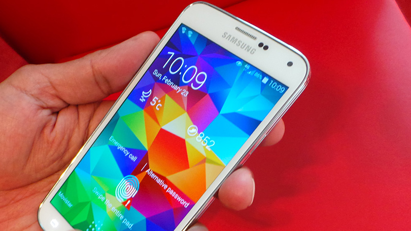 350286-hands-on-with-the-samsung-galaxy-s5