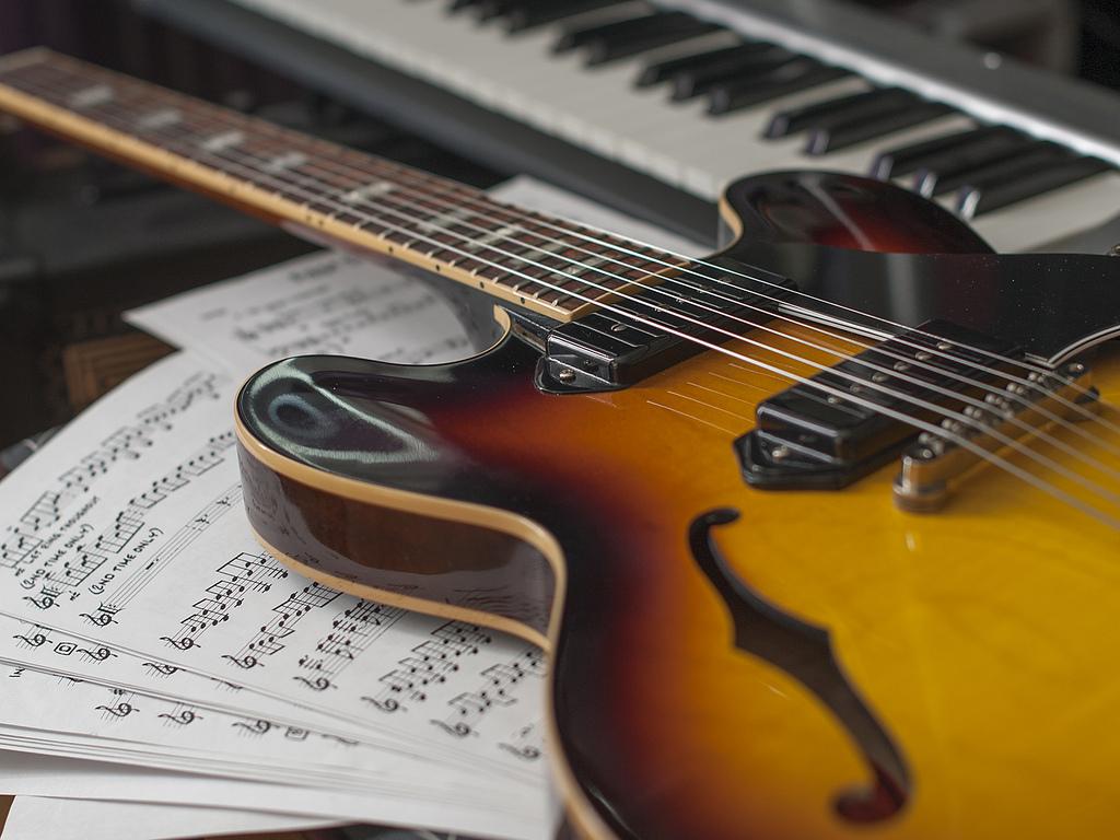 Лучшие iOS-приложения в помощь начинающим музыкантам