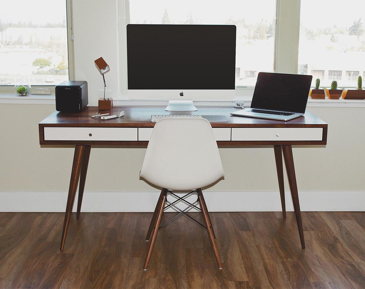 Mac Desks: рабочее место настоящего яблочника