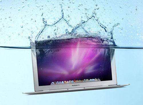 Случайно пролили воду на MacBook? Есть способ спасти ноутбук от смерти!