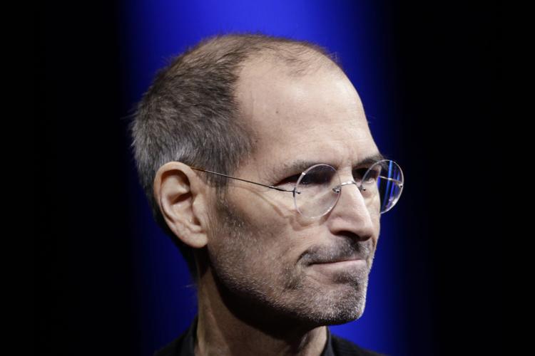 """Электронная переписка Джобса в 2010 году: """"Священная война"""" с Google, планы по развитию Apple TV и многое другое"""